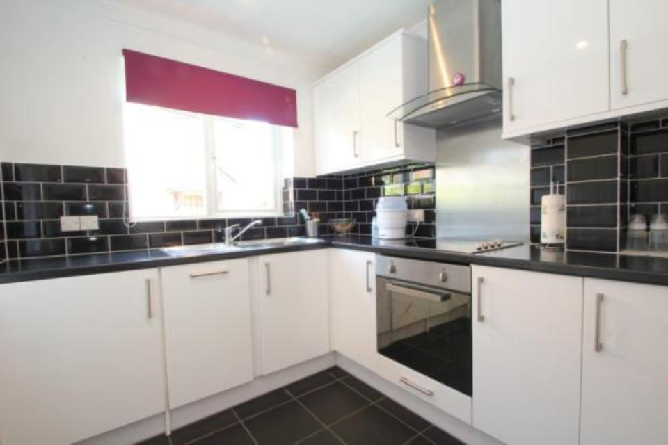 Hanbury Home Improvements Ltd 100 Feedback Kitchen
