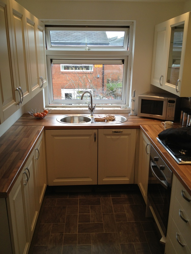 Ruby joinery ltd 96 feedback carpenter joiner in widnes for Small fitted kitchens