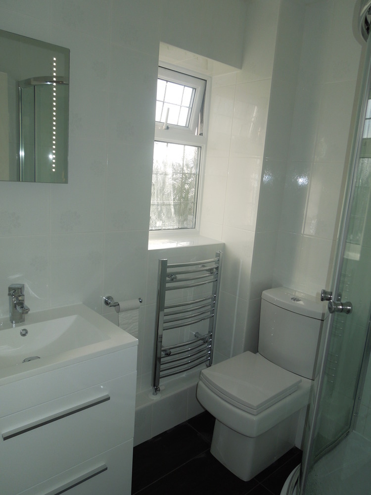 Smc plumbing and heating 100 feedback plumber bathroom for How to heat a small bathroom