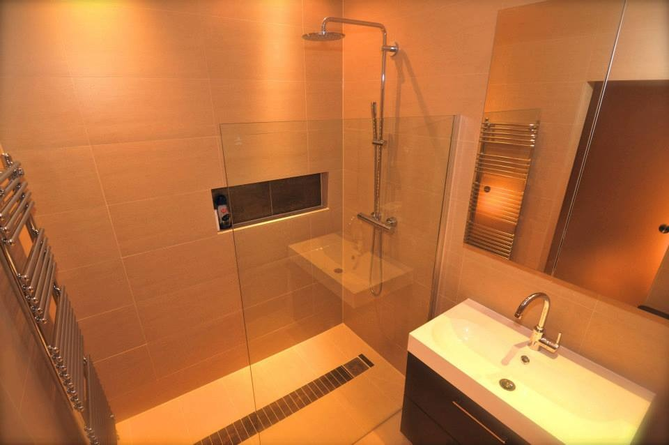 Restyle interiors 100 feedback bathroom fitter for Bathroom builders leicester