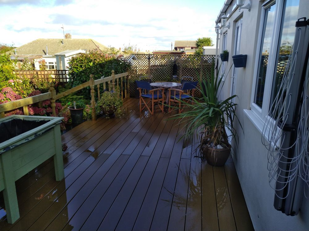 BR Garden and Landscaping: Landscaper, Gardener, Decking ...