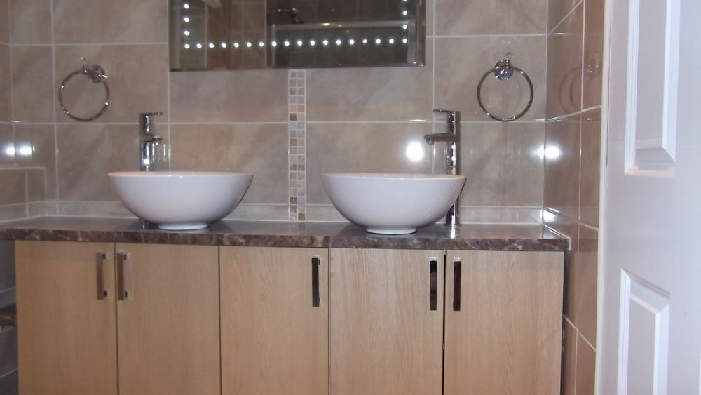 bathroom tiling solutions: 100% Feedback, Tiler, Plumber ...