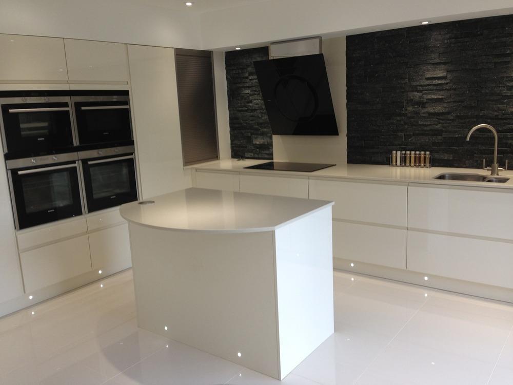 Tms Construction 98 Feedback Carpenter Joiner Kitchen Fitter Flooring Fitter In Exeter