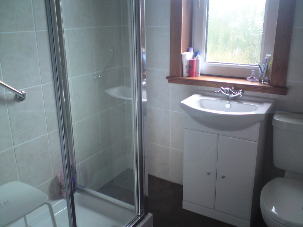 Hayes Plumbing Services 100 Feedback Plumber Bathroom