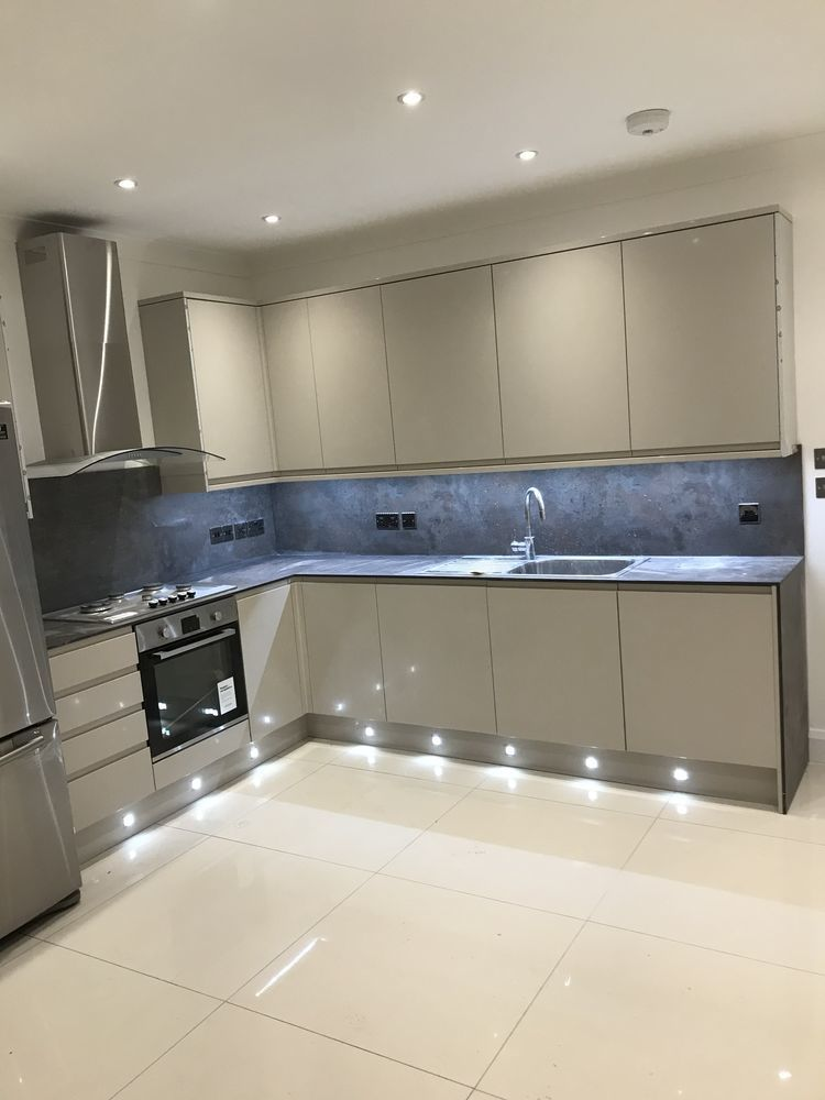 Best Build: 100% Feedback, Bathroom Fitter, Tiler in London
