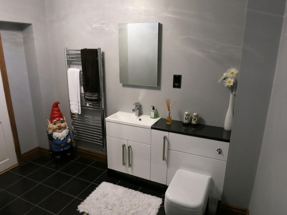 Flytte 80 feedback bathroom fitter conversion for Bathroom design kettering