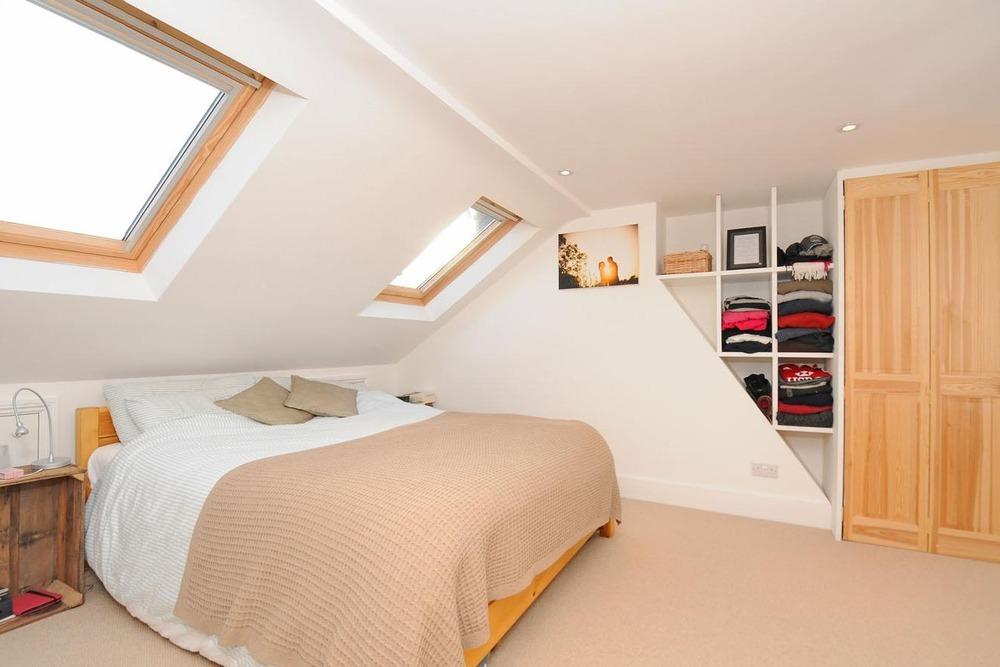 Loft conversion 2 bedroom 1 bathroom in maisonette for 2 bedroom with loft