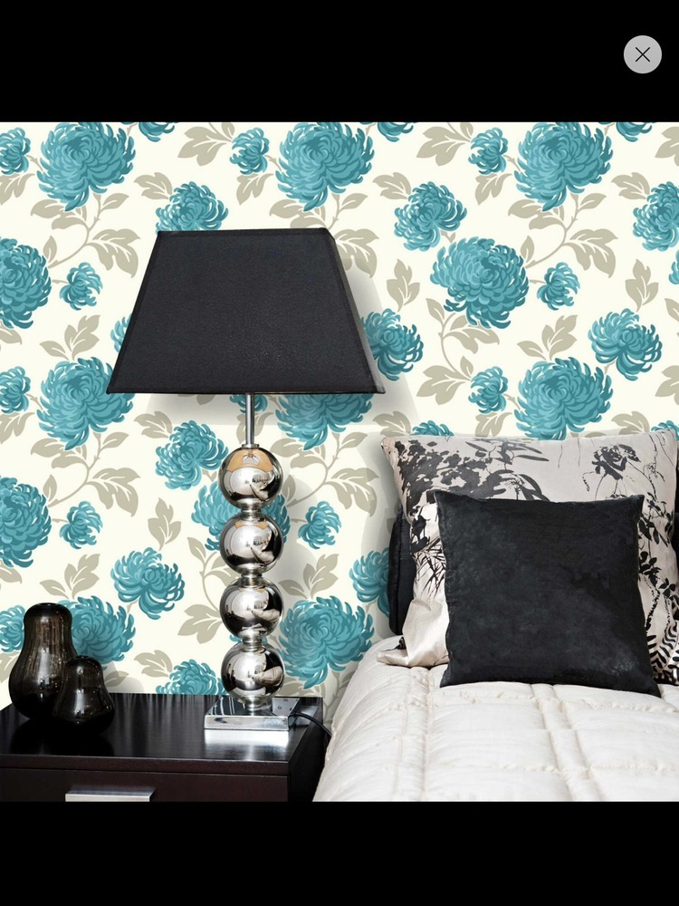 where do you start wallpapering a feature wall