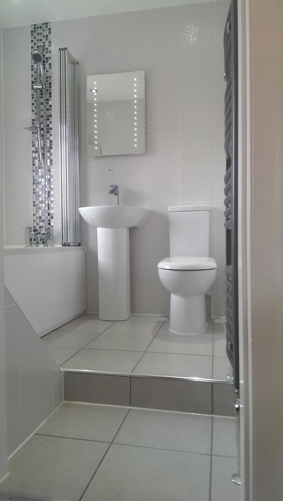 Bathroom fitter in birmingham for Bathroom design birmingham