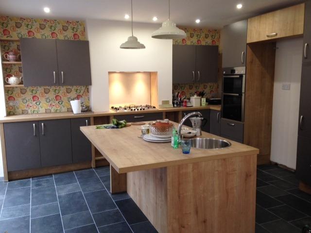 Kitchen Fitter Carpenter Amp Joiner Flooring Fitter In Southam