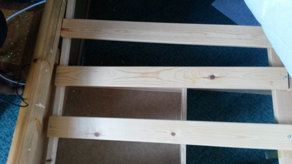 how to fix cracked wooden furniture