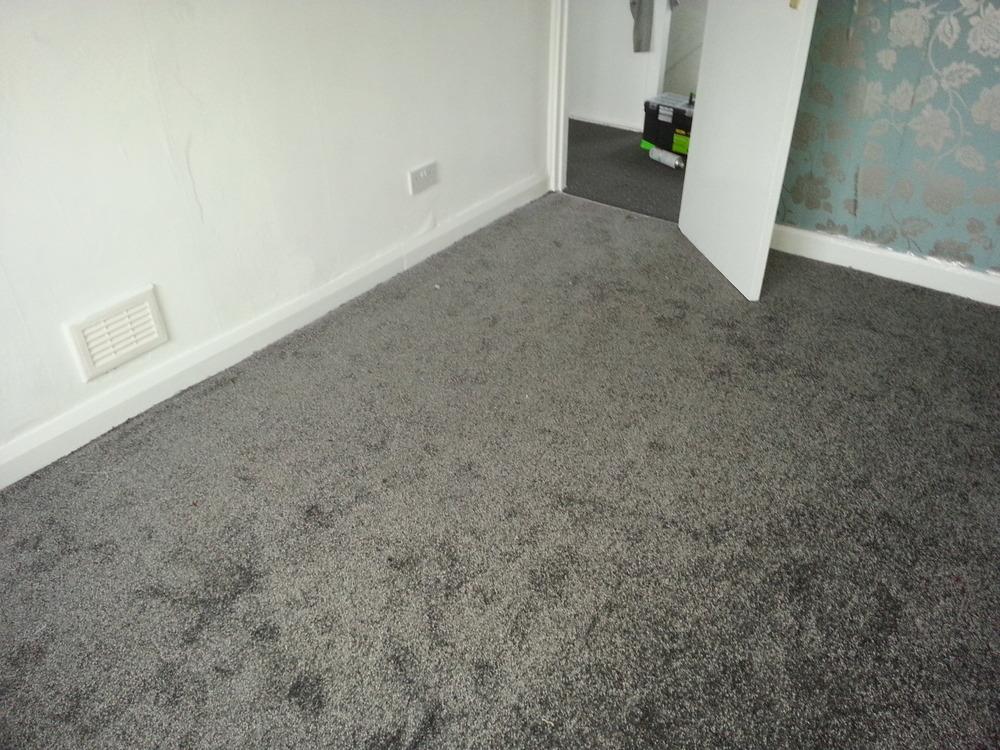 Camaro luxury vinyl tiles luxury vinyl tiles fitted in a kitchen - Fab Floors 100 Feedback Flooring Fitter Carpet Fitter
