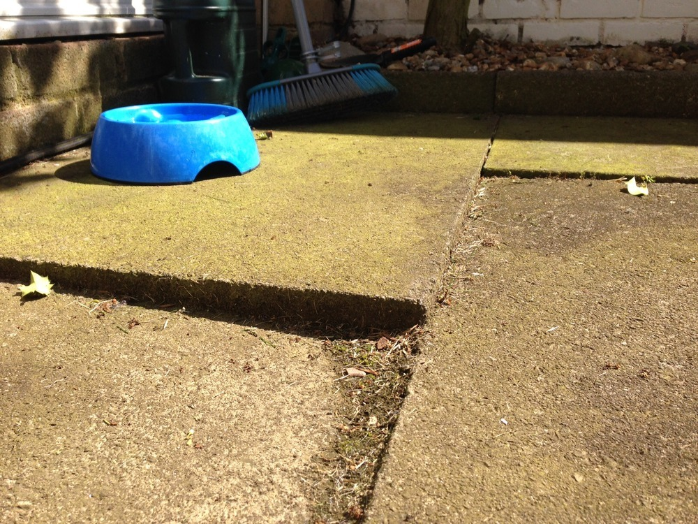 Landscape Gardening High Wycombe : Relaying paving slabs landscape gardening job in high