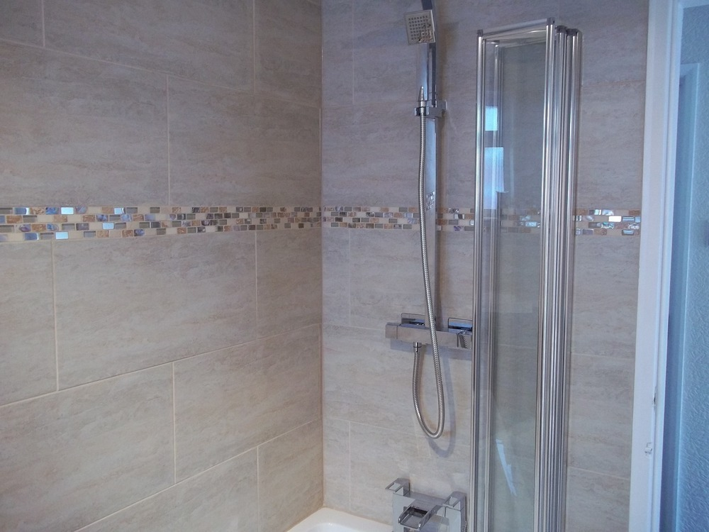Tileright 100 feedback tiler in consett White border tiles bathrooms