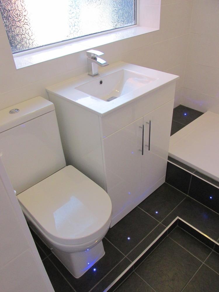 Bathroom fitter 100 feedback bathroom fitter plumber for Bathroom refitters