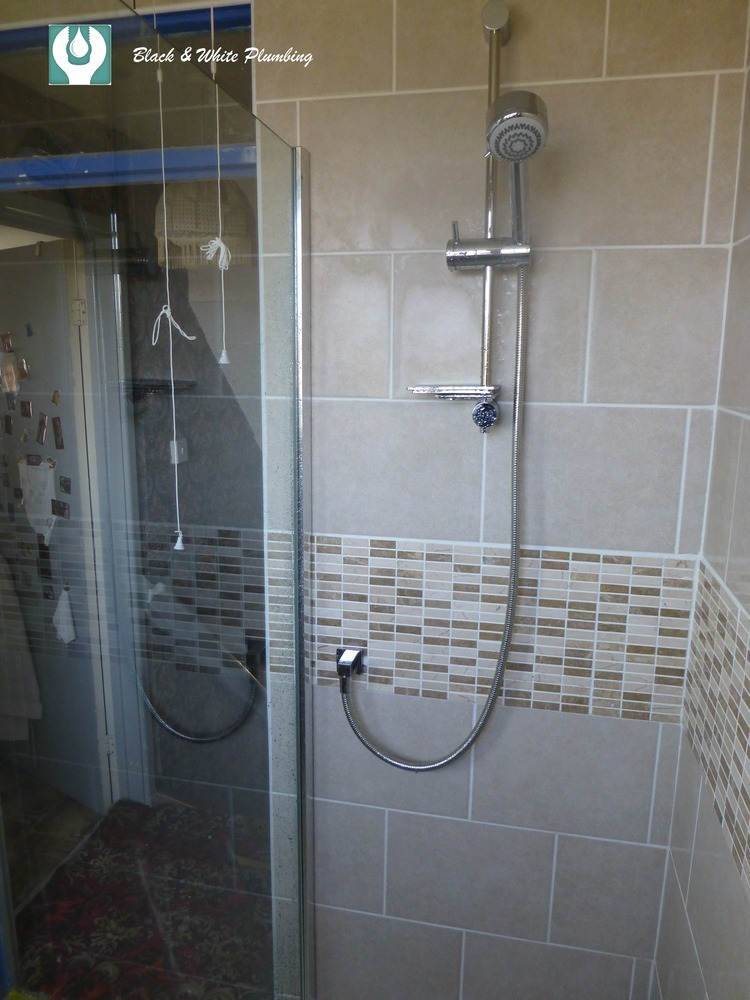 Black And White Plumbing 92 Feedback Plumber In Canvey