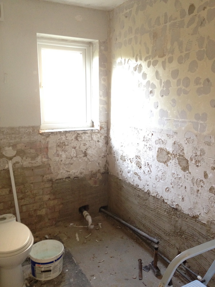 Plastering bathroom walls + skimming kitchen stud wall ...