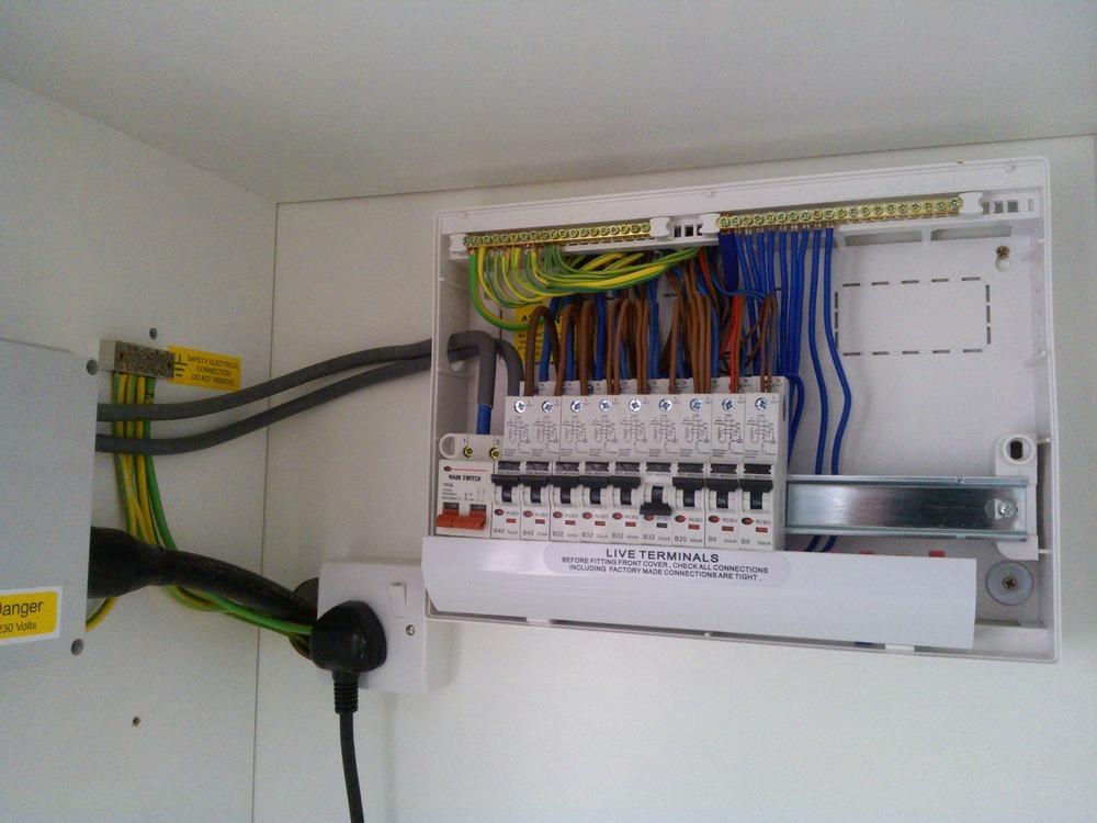 Neil Allan Electrical  100  Feedback  Electrician In