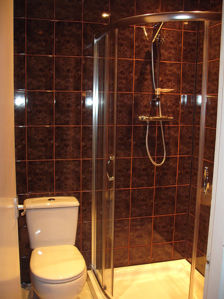 Professional Property Maintenance 100 Feedback Bathroom