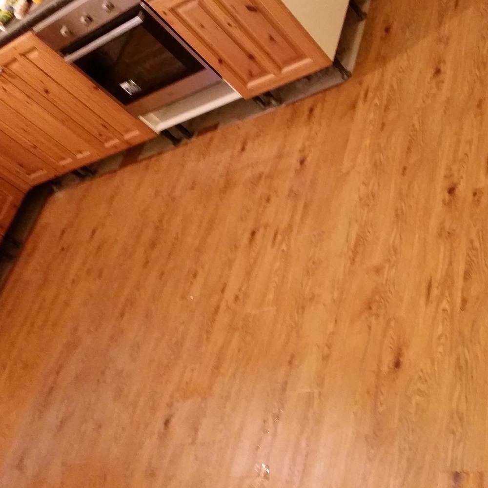 Camaro luxury vinyl tiles luxury vinyl tiles fitted in a kitchen - D W Design Flooring 100 Feedback Flooring Fitter