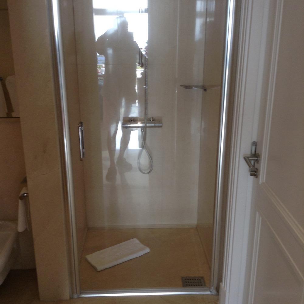 The bathroom fitting specialist 100 feedback bathroom for Bathroom refitters