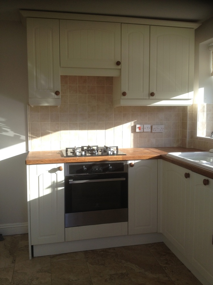 Pjc services 100 feedback kitchen fitter carpenter for Kitchens chipping norton