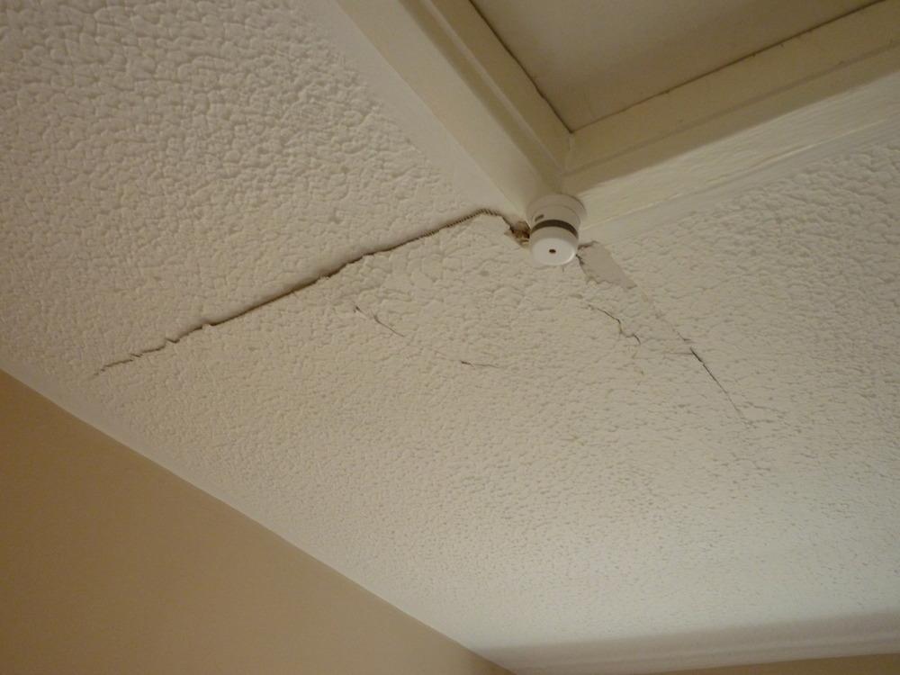 Repair To Ceiling Artex Paint Plastering Job In Newport