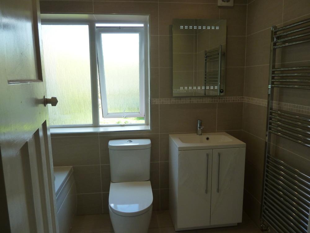 Albion Bathrooms & Kitchens: 100% Feedback, Kitchen Fitter ...