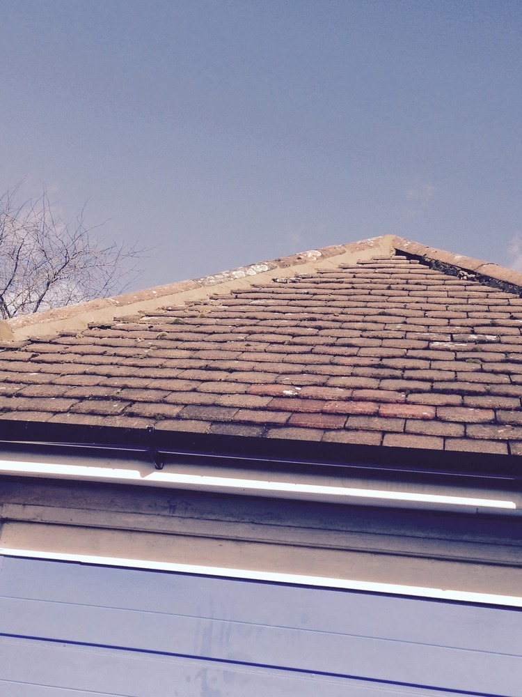 how to become a roofer uk