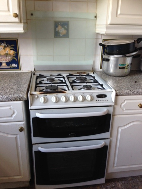 Need Someone To Install New Cooker Hob And Oven Kitchen