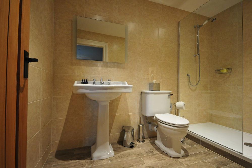Aztec Bathrooms 100 Feedback Plumber Bathroom Fitter