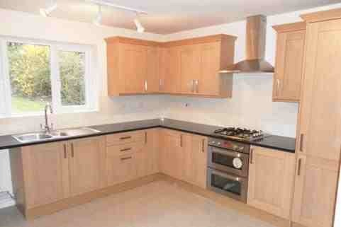 G m carpentry and joinery 86 feedback carpenter for Modern fitted kitchen