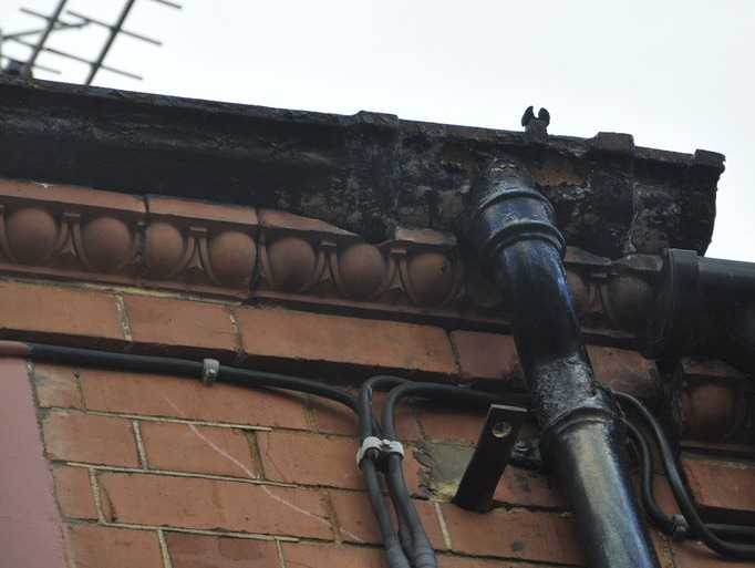 Bay Window Leaking Cast Iron Gutter Reparation Roofing