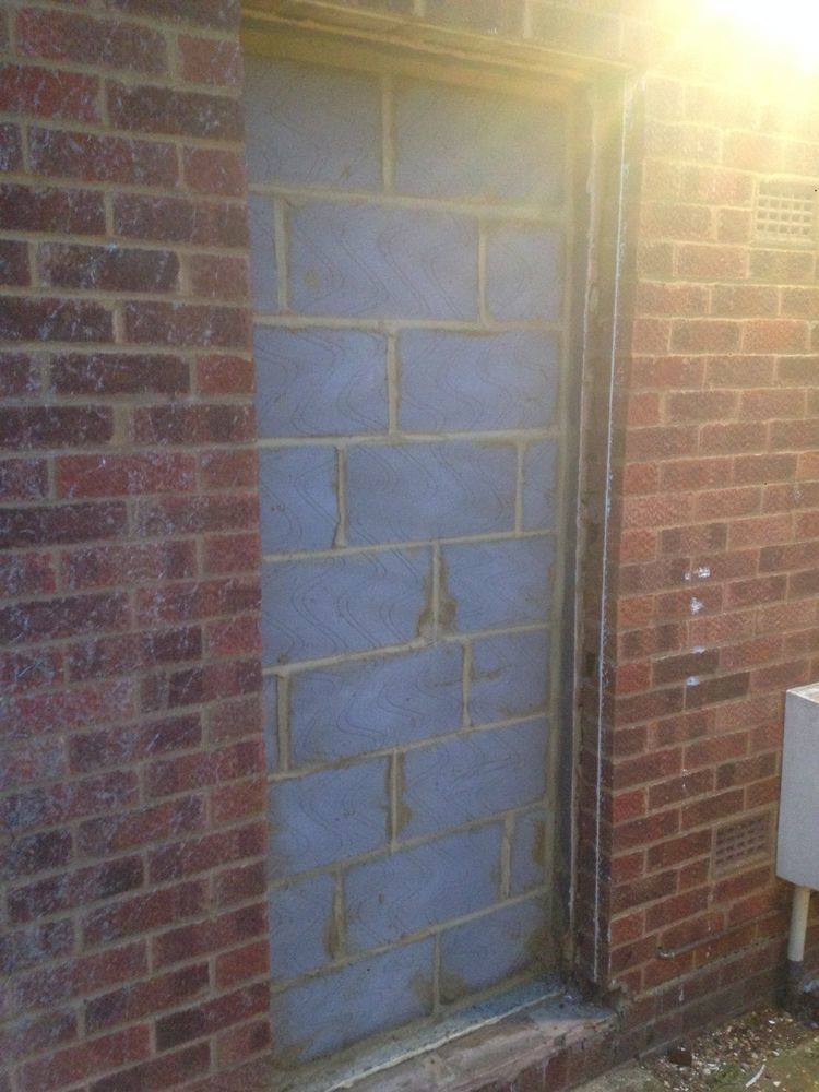 Photographs & Doorway needing to be bricked up - Bricklaying job in St Neots ...