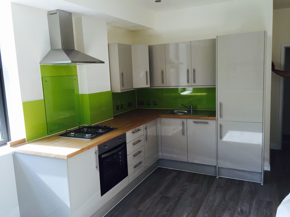 D g carpenters 83 feedback carpenter joiner kitchen fitter in paignton - Kitchen backboards ...