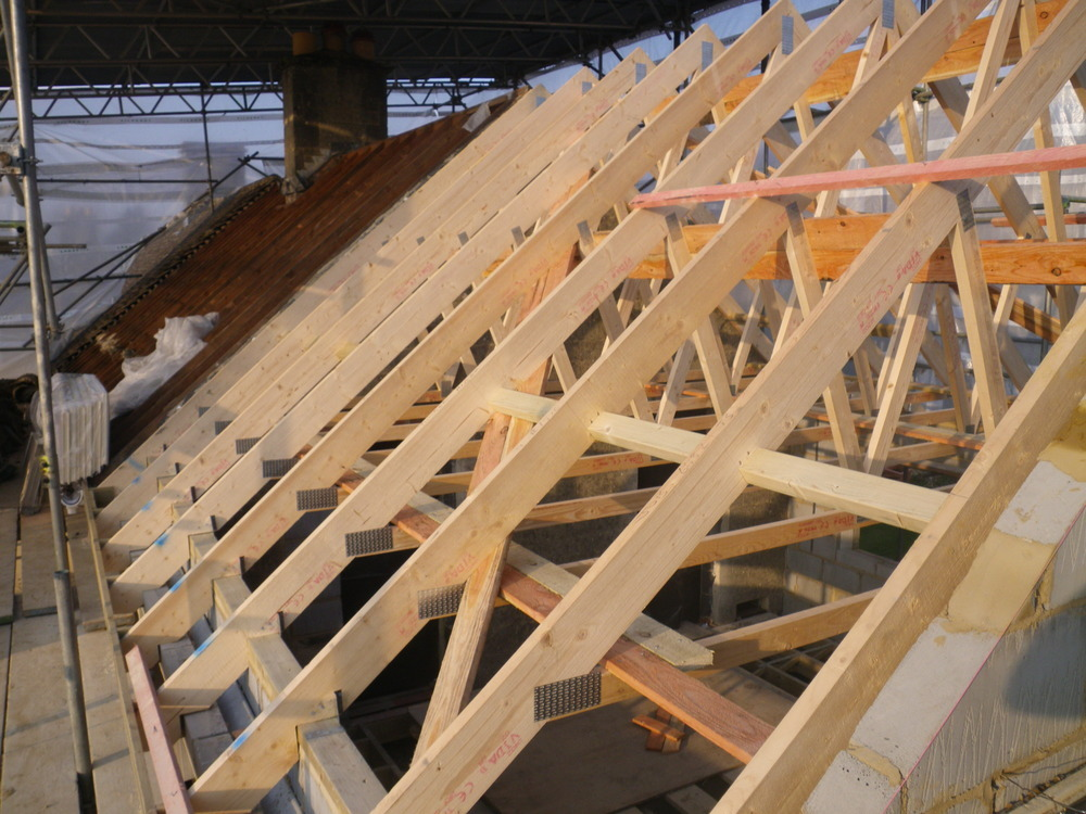 Avonvale developments building and maintenance ltd 100 for Roof trusses installation