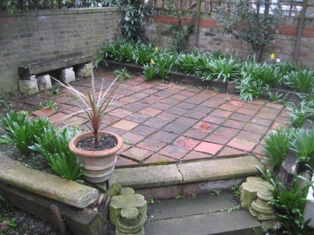 Paving and landscaping small rear garden - Landscaping job ...
