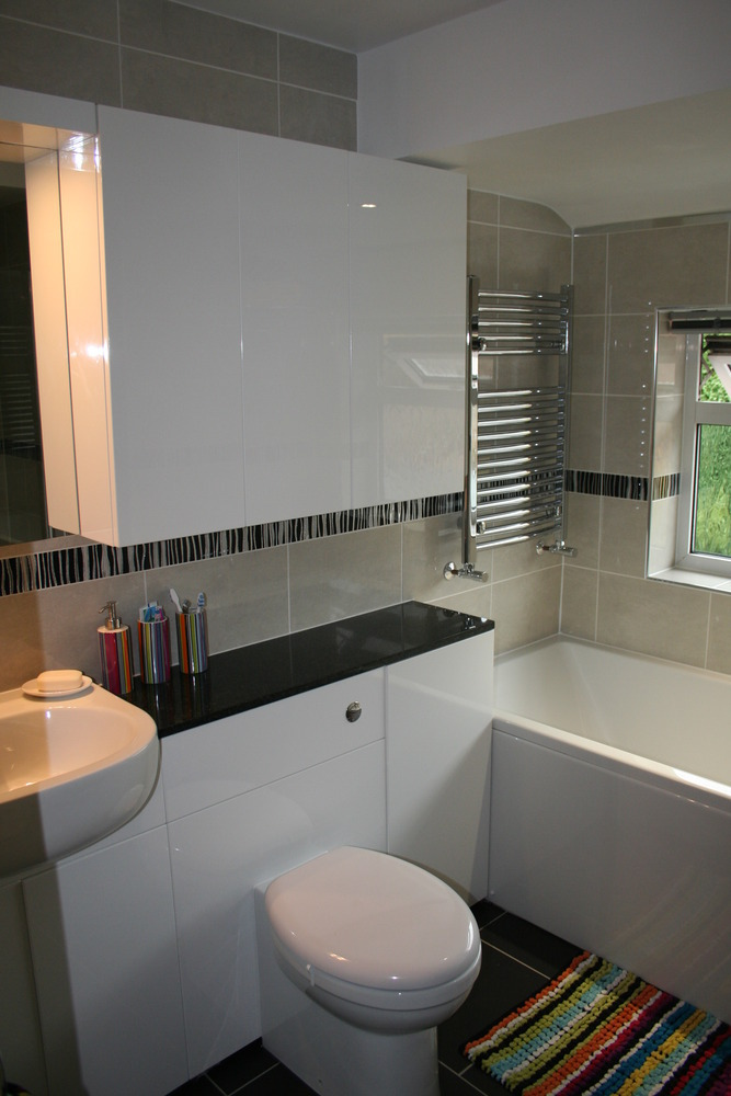 Db bathrooms 100 feedback bathroom fitter in kettering for Bathroom design kettering
