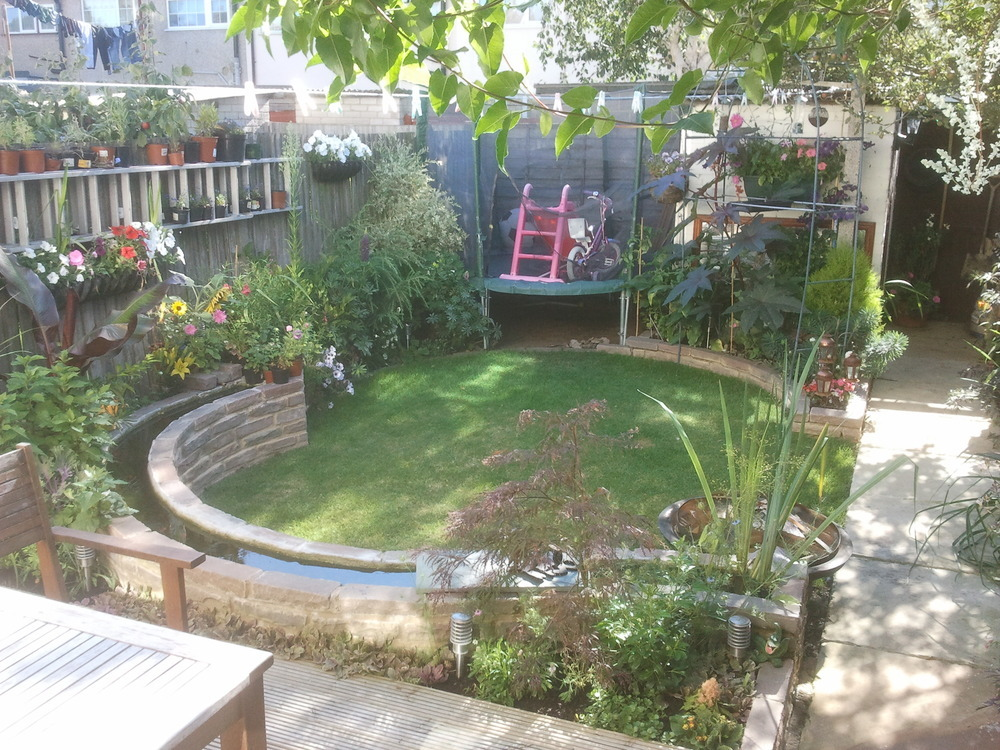 Peths landscaping and building 100 feedback landscape for Landscape gardening for small gardens