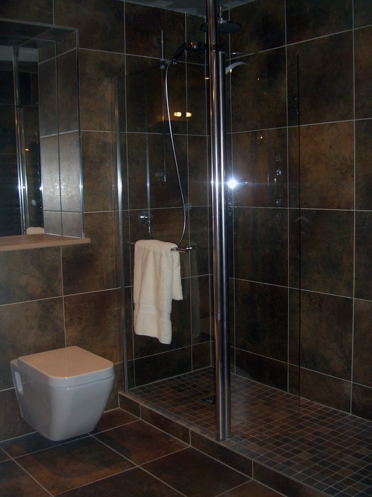 J J Bathrooms Falkirk Of Tilecraft Scotland 100 Feedback Tiler In Falkirk