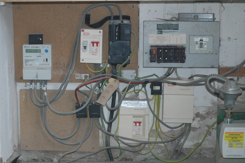 Replace Fuse Wire Type Consumer Unit