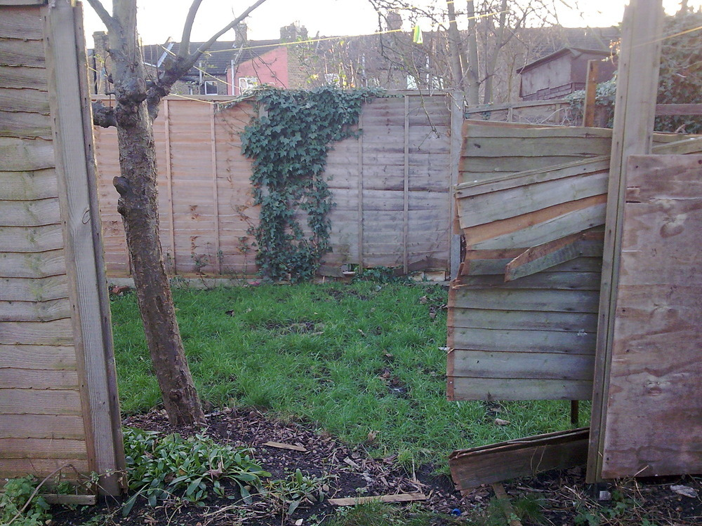 replace 3 missing fence panels fencing job in tottenham north
