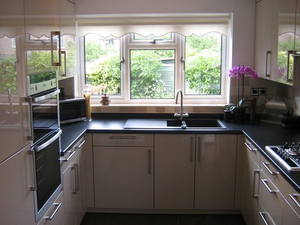 1st4m 100 feedback kitchen fitter in orpington for Kitchen units and worktops