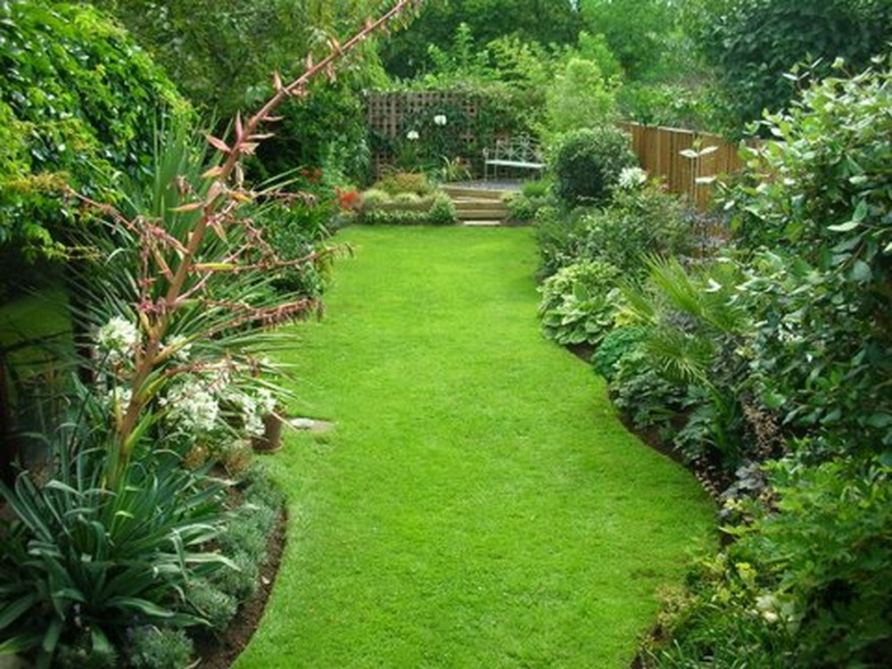 Mulberry cottage gardens 100 feedback landscape for Garden design in small area