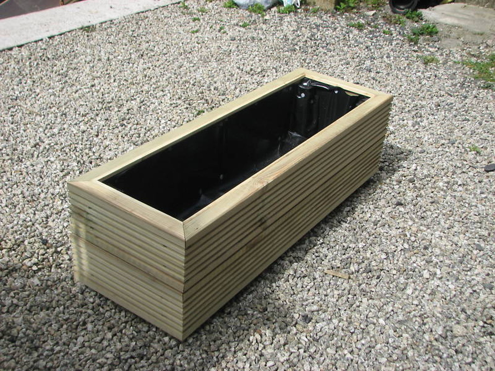 Making 6 timber planters troughs from new decking board for 6 inch wide decking boards