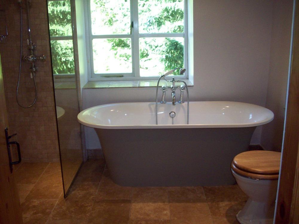 Ideal building maintenance 100 feedback gas engineer for Bathroom cabinets victoria plumb