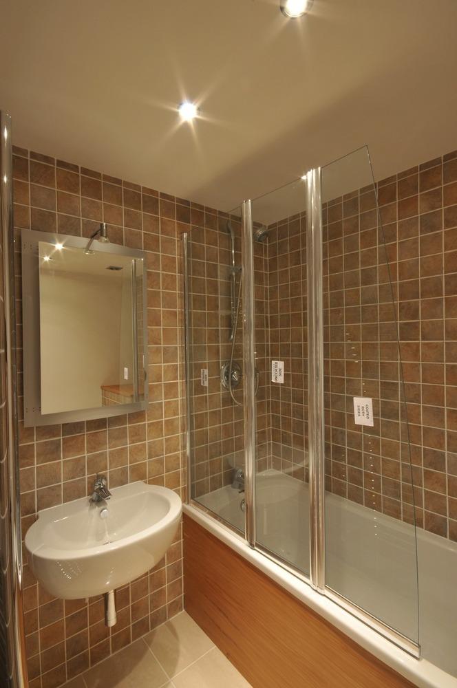 Dee mistry 100 feedback bathroom fitter in birmingham for Bathroom builders birmingham
