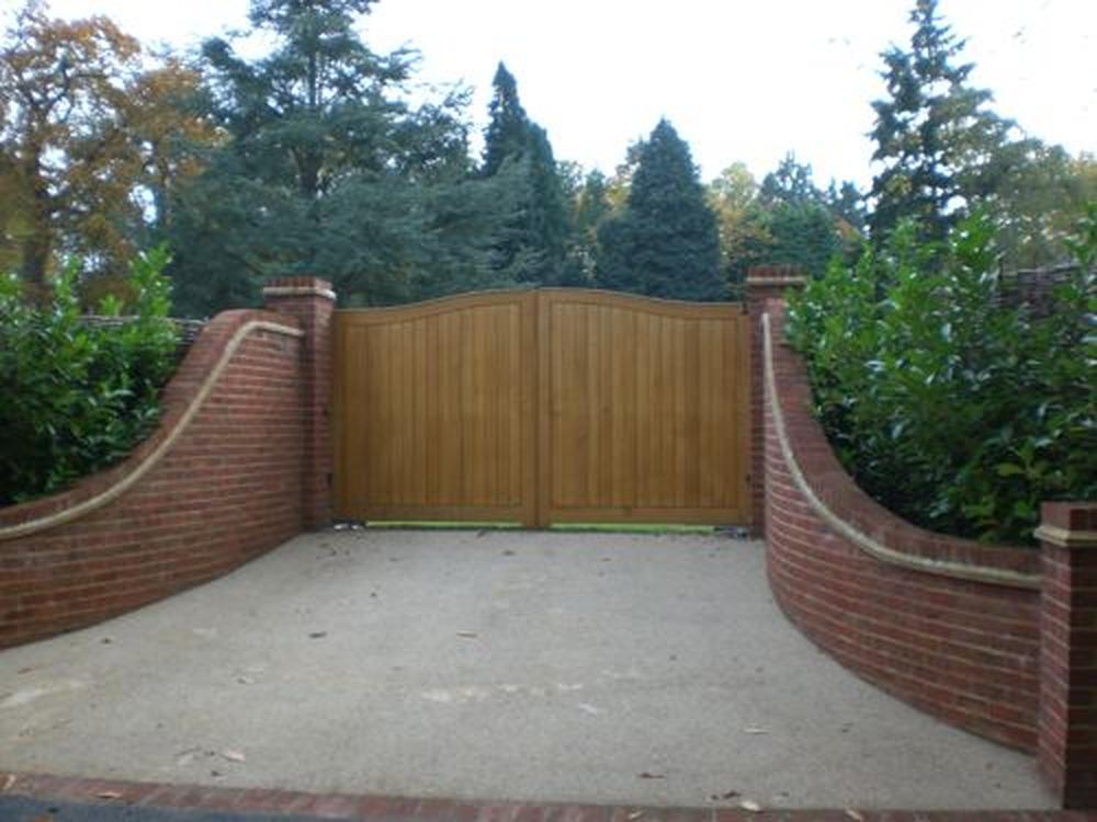 Driveway Entrance Brick Wall Bricklaying Job In