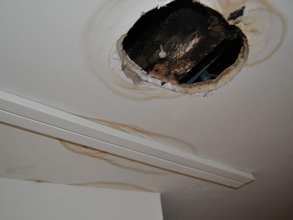 Fix leak from upstairs bathroom repair ceiling for Leak in upstairs bathroom