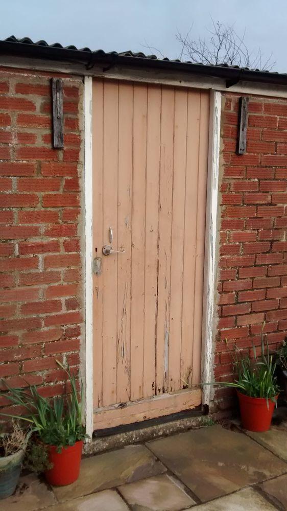 Photographs & Outhouse external door and frame needs replacing - Carpentry ...